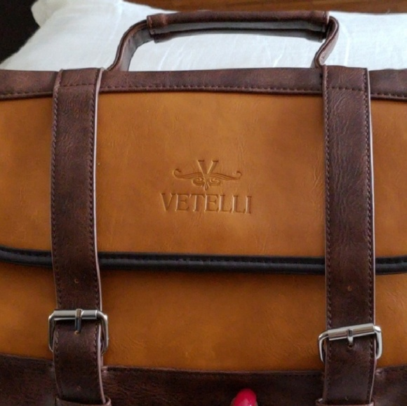 da7c7b342e21 Handbags - Vetelli hanging toiletry bag